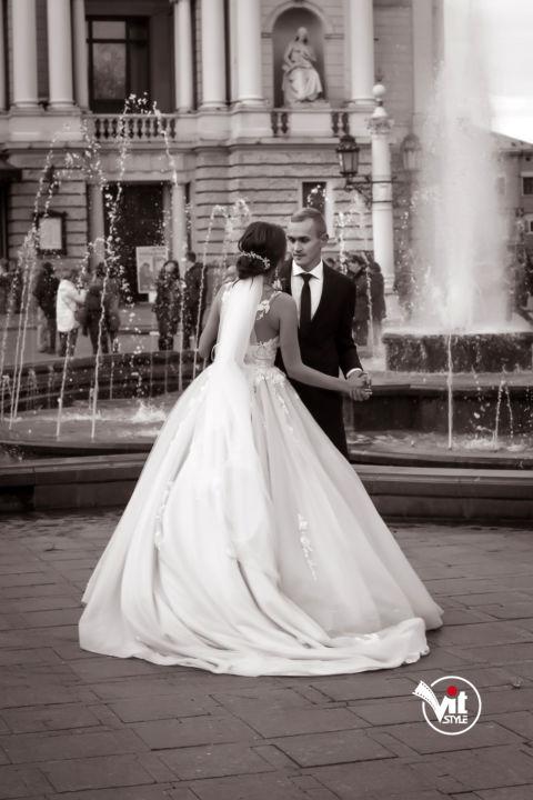 Весілля, фотограф на весіля, відеограф на весіля, відеоператор на весілля,весілля львів, весіля стрий, фото стрий, відео та фото студія стрий, відео та фото студія львів, планування весіля, весільні послуги, камера на весілля, все дя весілля, організація на весілля, весільна зйомка, зйомка весілля, весільний кліп, відео на весілля, весільні тизери, весільне відео.